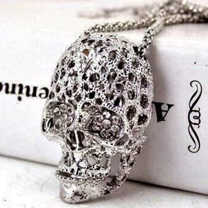 Jewelry - NEW 3D Large Silver Lacy Filigree SKULL Necklace